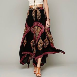 FREE PEOPLE HEART OF GOLD SKIRT Black Multi